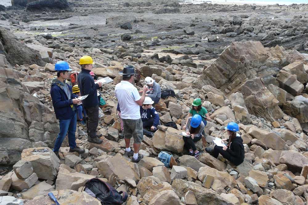 Геология и разведка полезных ископаемых в Украине
