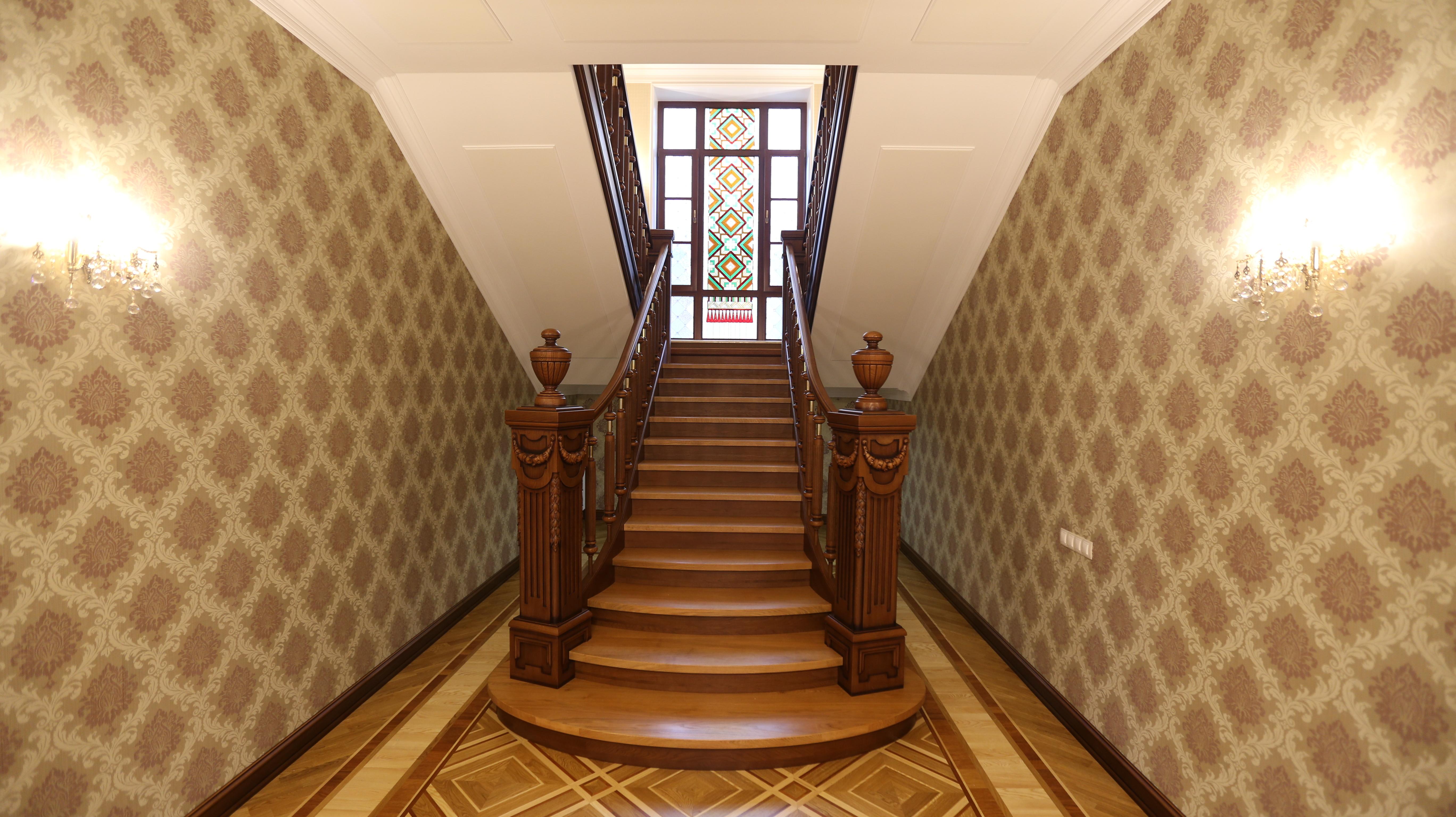Замовити дерев'яні сходи за доступною ціною