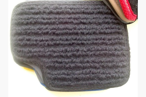 Тканинні килимки в машину за доступними цінами
