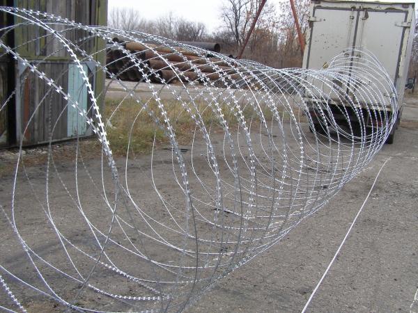 Предлагаем купить спиральный барьер безопасности Егоза