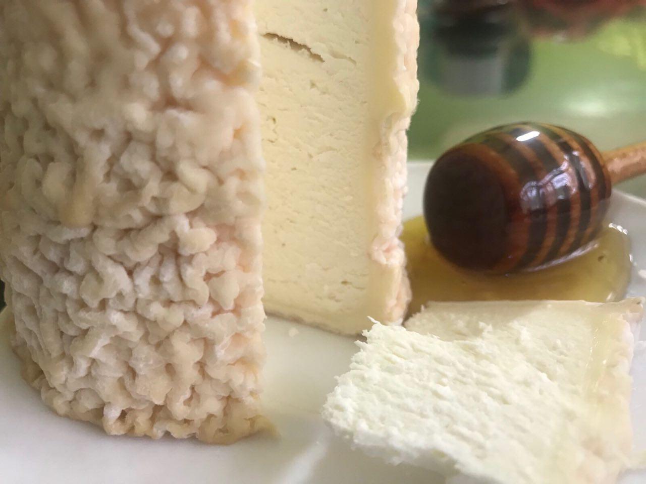 Натуральний козячий сир Кроттен