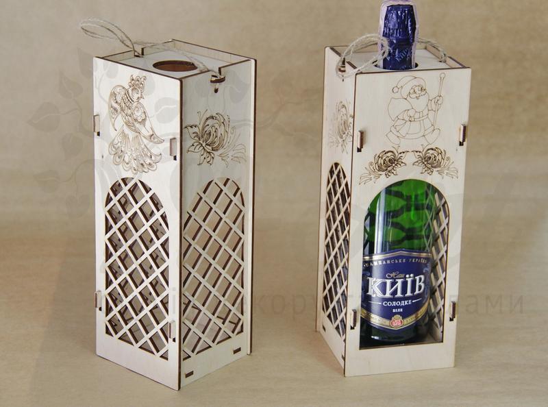 Дерев'яна упаковка для пляшки купити недорого
