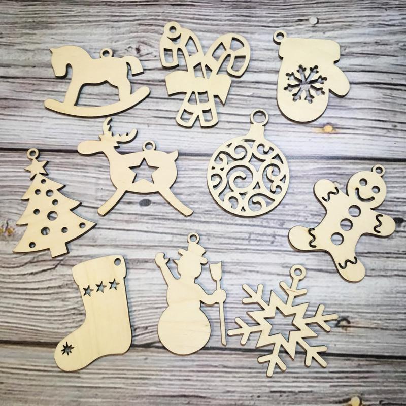 Купить набор деревянных игрушек на елку недорого можно у нас!