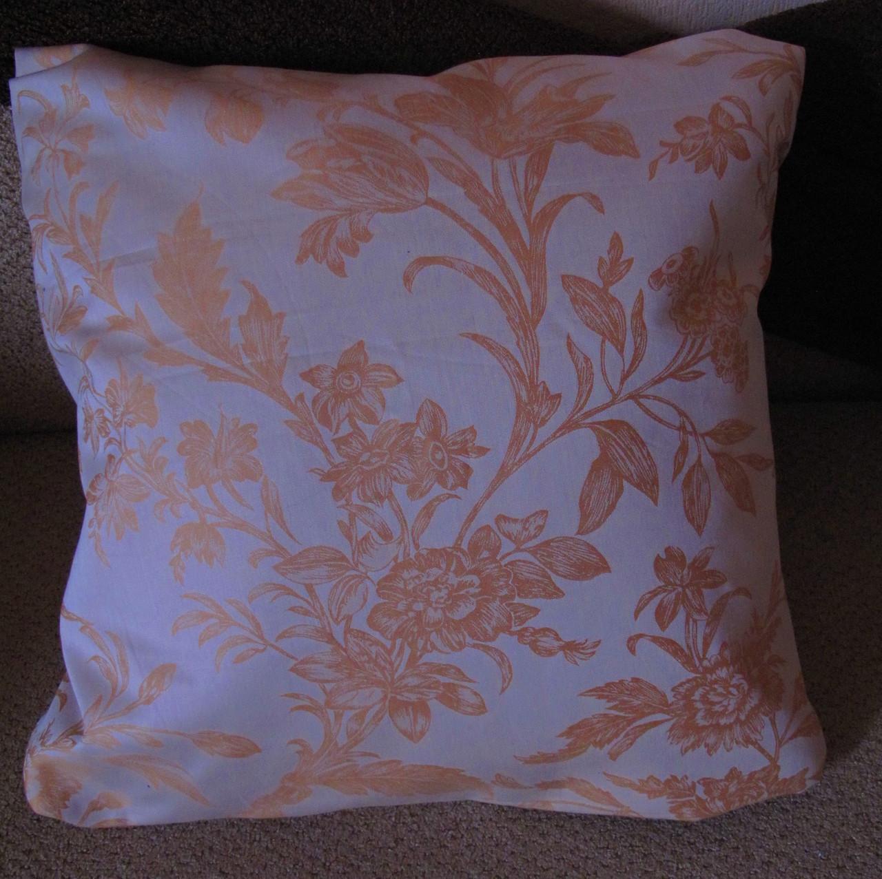 Наволочки для диванних подушок в наявності!