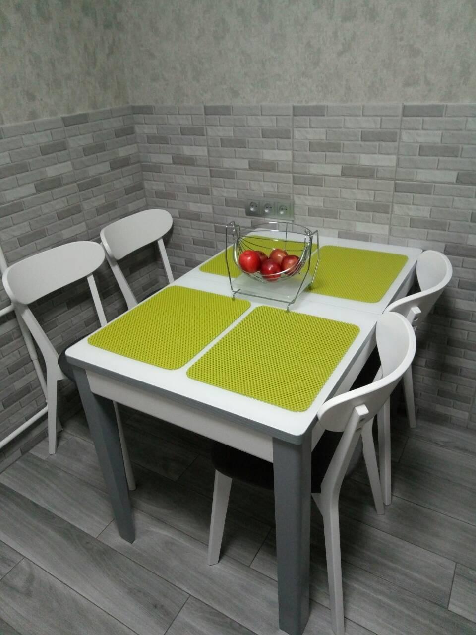 Купити стіл зі стільцямиможна у нас!