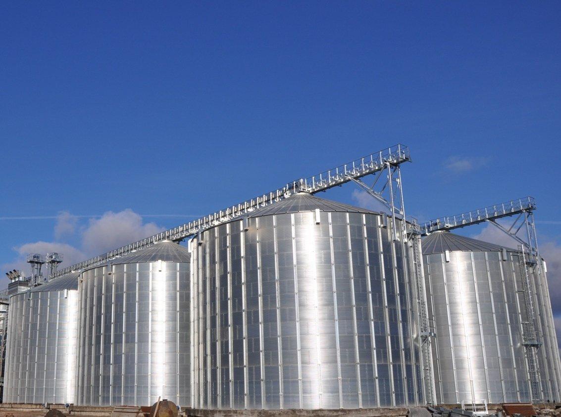 Предлагаем приобрести плоскодонные зернохранилища