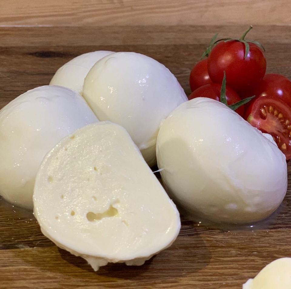 Сир моцарелла відмінної якості купуйте від виробника!