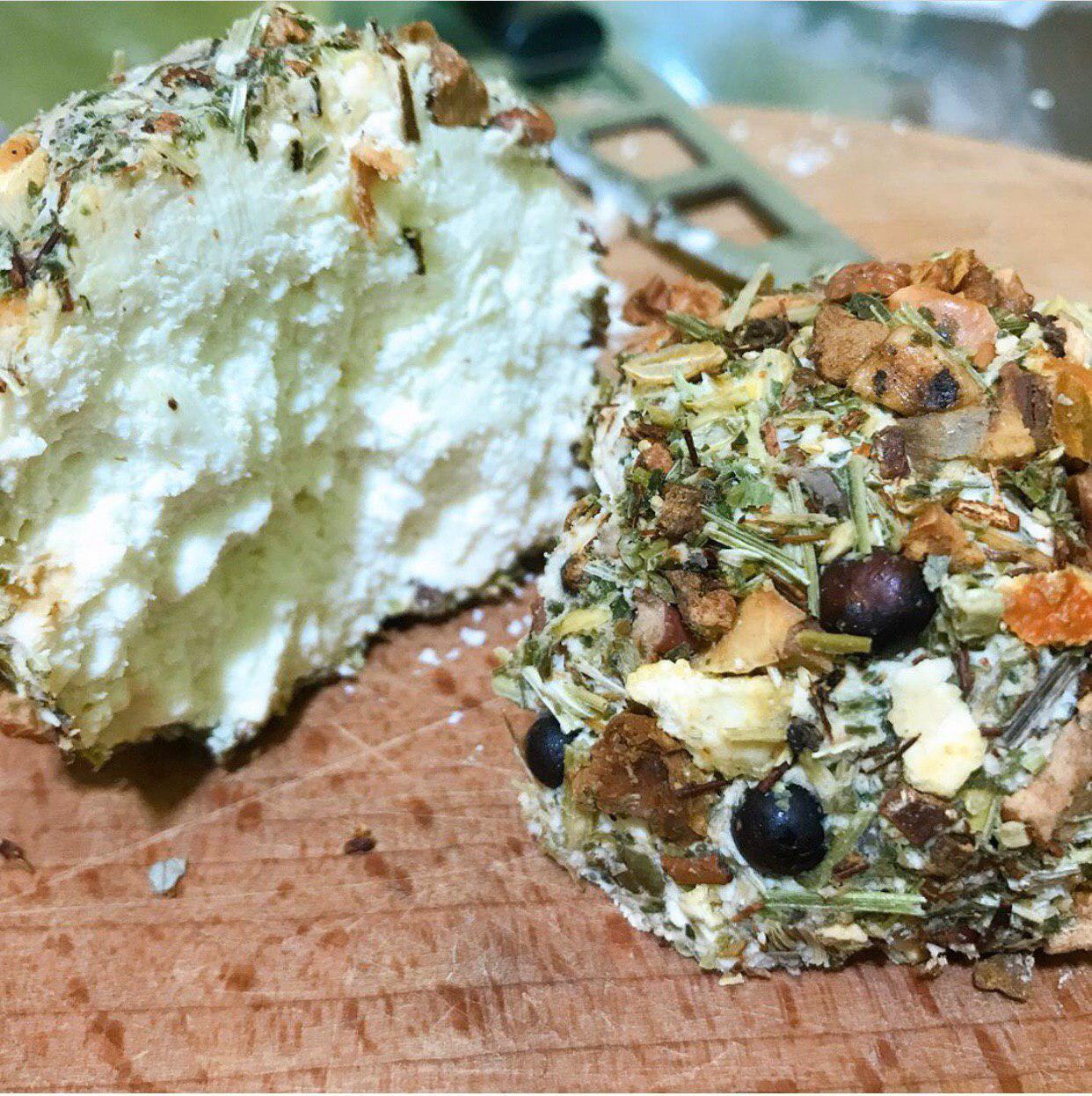 Сэр Бурбон сир - вкусная покупка от производителя