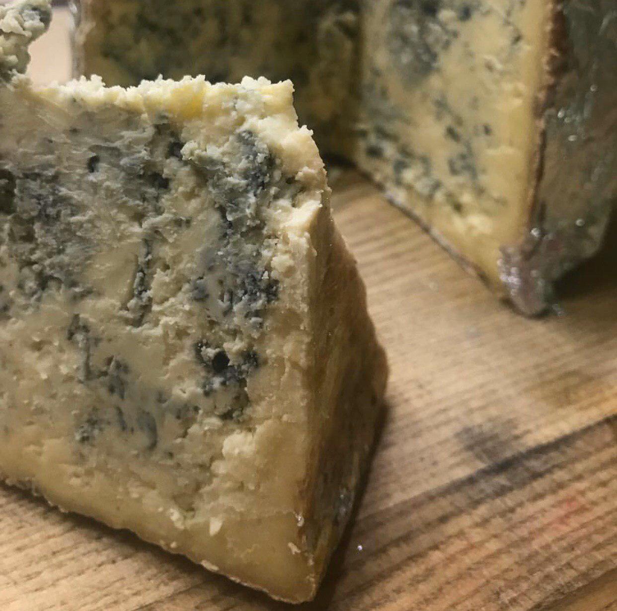 Сыр горгонзола коровий - неповторимое разнообразие вкуса и аромата!