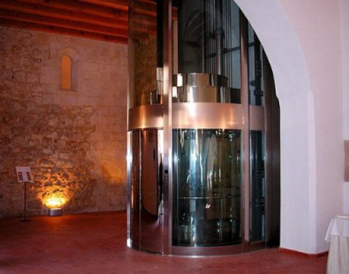 У продажу панорамний ліфт