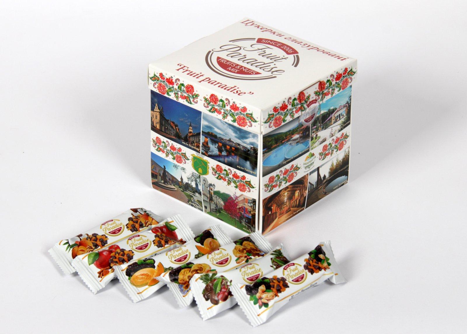 Подарунковий набір з міксом різних смаків можна замовити на сайті