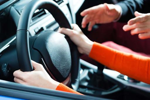 Пропонуємо відвідати приватні уроки водіння
