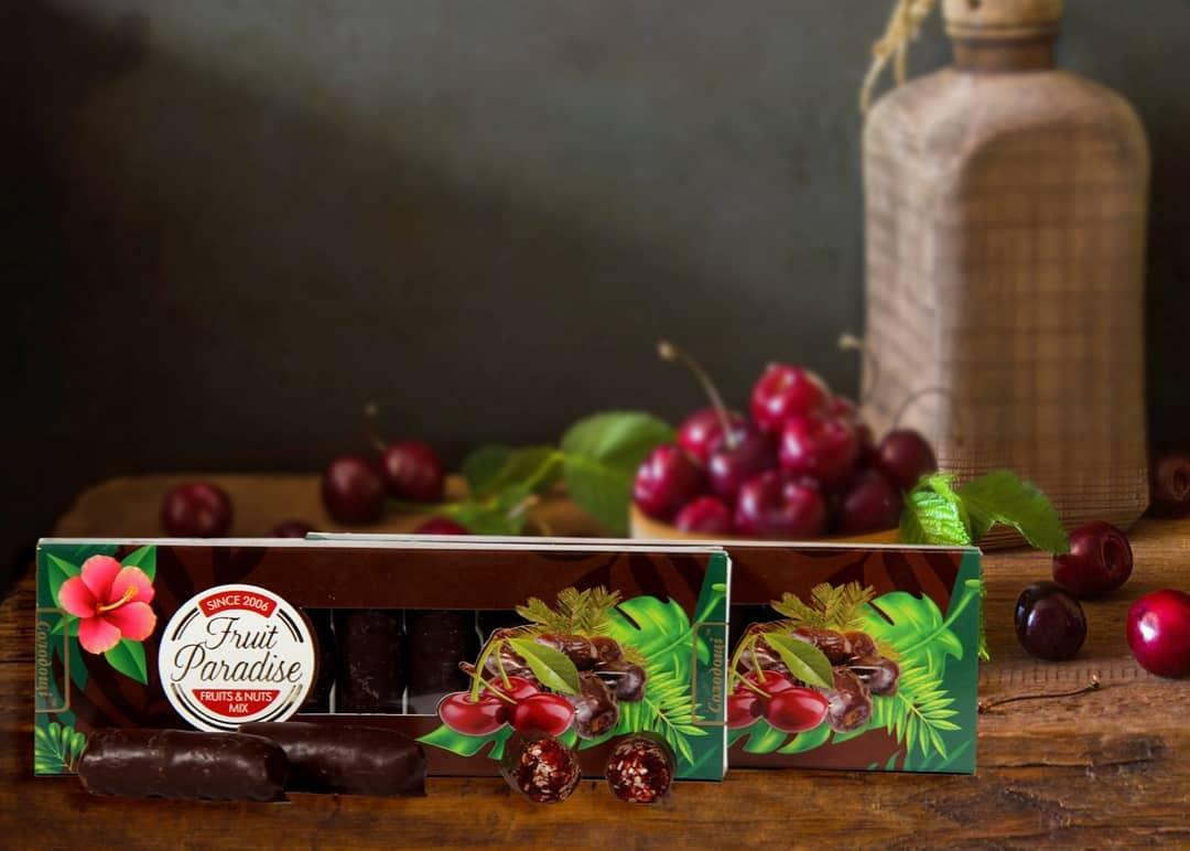 Натуральні цукерки з сушеної вишні та горіха в наявності