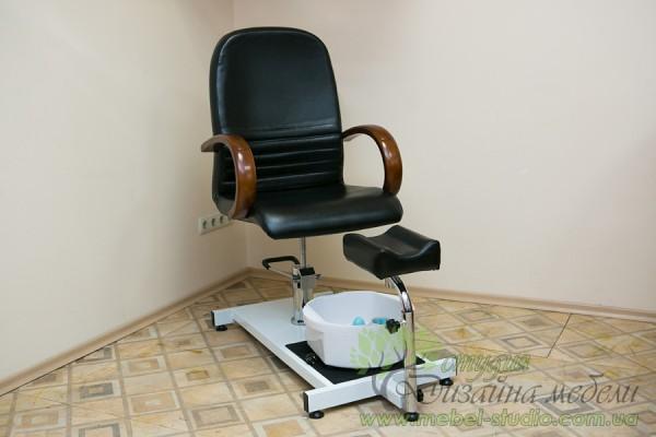 У продажу обладнання для педикюрного кабінету