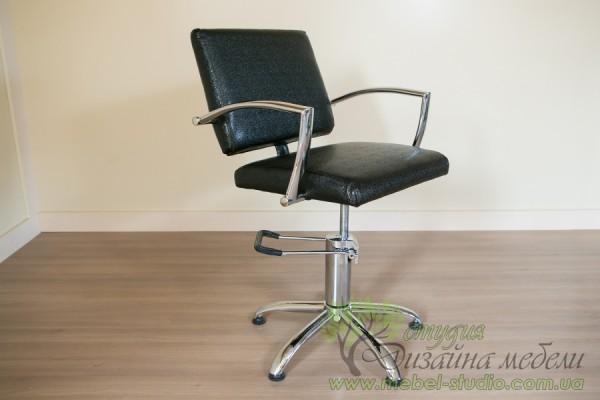 Перукарські стільці в асортименті в