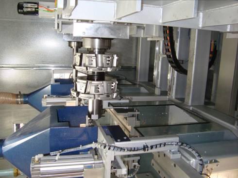Пропонуємо сучасне обладнання для виробництва пластикових вікон