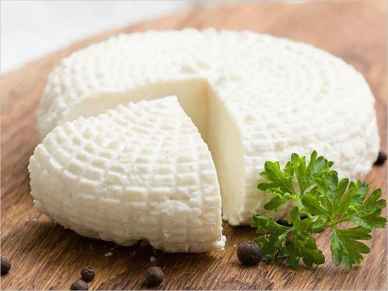 Для замовлення доступний сир натуральний хорошої якості