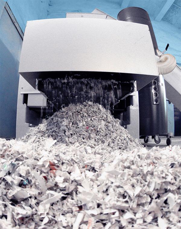 Уничтожаем архивные документы шредером и забираем на переработку!