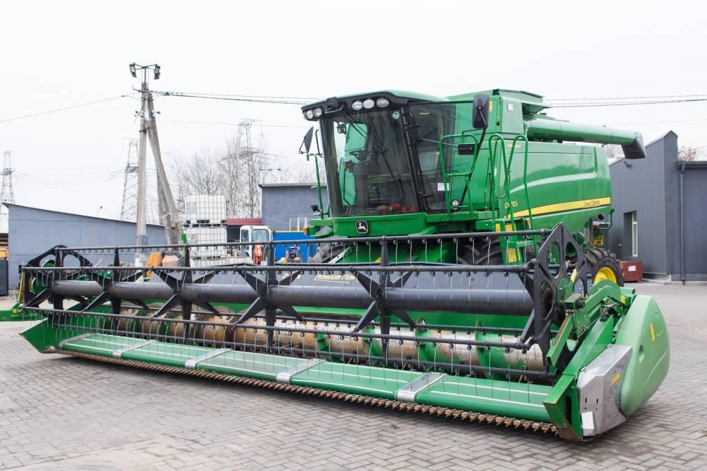 Приобретите мощный зерноуборочный комбайн John Deere C670
