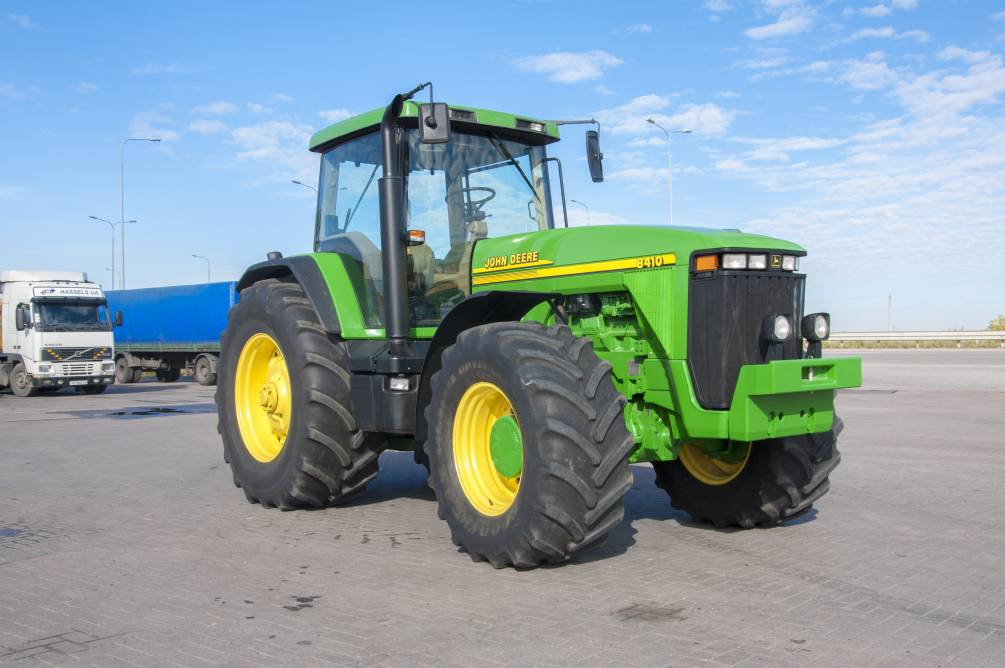 Предлагаем приобрести тракторы от John Deere