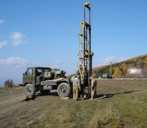 Проводимо геологічні дослідження для дорожнього будівництва