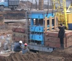 Виробляємо привантаження для установок вдавлювання паль