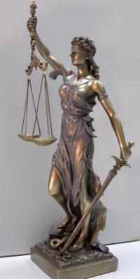 Надаю послуги адвоката по трудових спорах