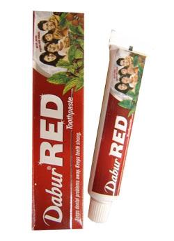 Краща зубна паста проти кровоточивості від індійських фармацевтів компанії Dabur