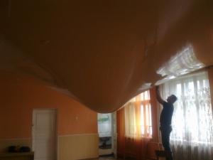 Встановлюємо німецькі натяжні стелі