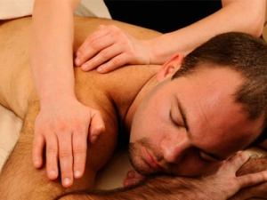 Массаж спины - эффективное лечение межпозвоночной грыжи в Луцке!