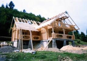 Осуществляем строительство деревянных домов в Украине. Быстро! Надежно!