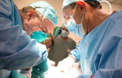 Спеціаліст з великим стажем виконує операції на нирки в Луцьку!