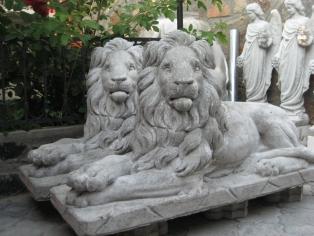 Садові скульптури з бетону
