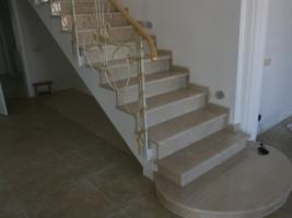 Изготавливаем красивые лестницы из мрамора - работаем оперативнее чем другие!