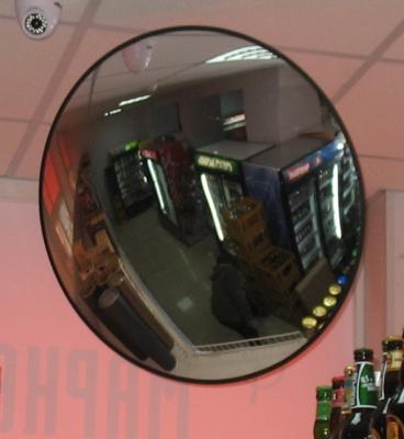 В асортименті сферичні дзеркала для магазинів
