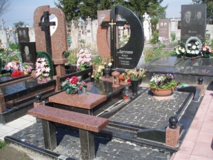 Цены, которые позволяют экономить: изготовление гранитных памятников, Луцк