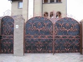Изготовление кованых ворот. Оперативно и оригинально!