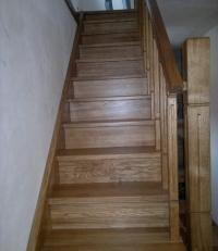 Предлагаем деревянные лестницы для дачи