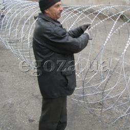 Спираль Егоза Кайман 1250/9 и никому не удастся пробраться на Вашу территорию!