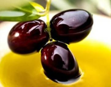 У продажі грецька оливкова олія оптом: провідні торгові марки