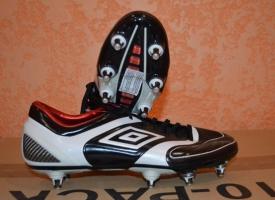 Нужная футбольная обувь? Купить ее можно здесь!