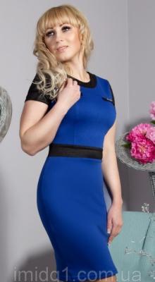 Стильні трикотажні сукні для повних