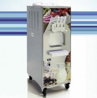 В асортименті фризери для виробництва м'якого морозива