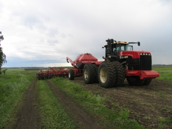 Профессиональные услуги: обработка земли весной под зерновые