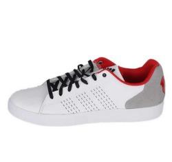 Пропонуємо недорого купити спортивне взуття для футзалу!