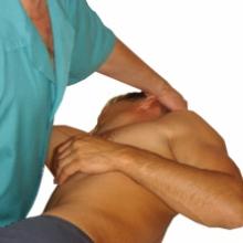 Проблемы с позвоночником? Вам поможет хороший мануальный терапевт!