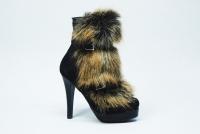 Ми займаємося виробництвом і продажем якісного і красивого жіночого взуття  на всі сезони. Щоразу 48f88e9f37474