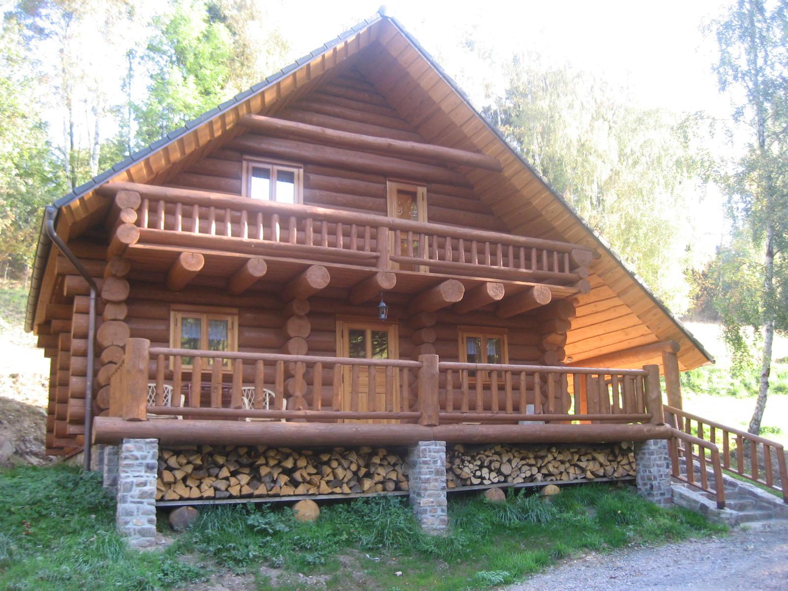 Дерев яні будинки зі зрубу