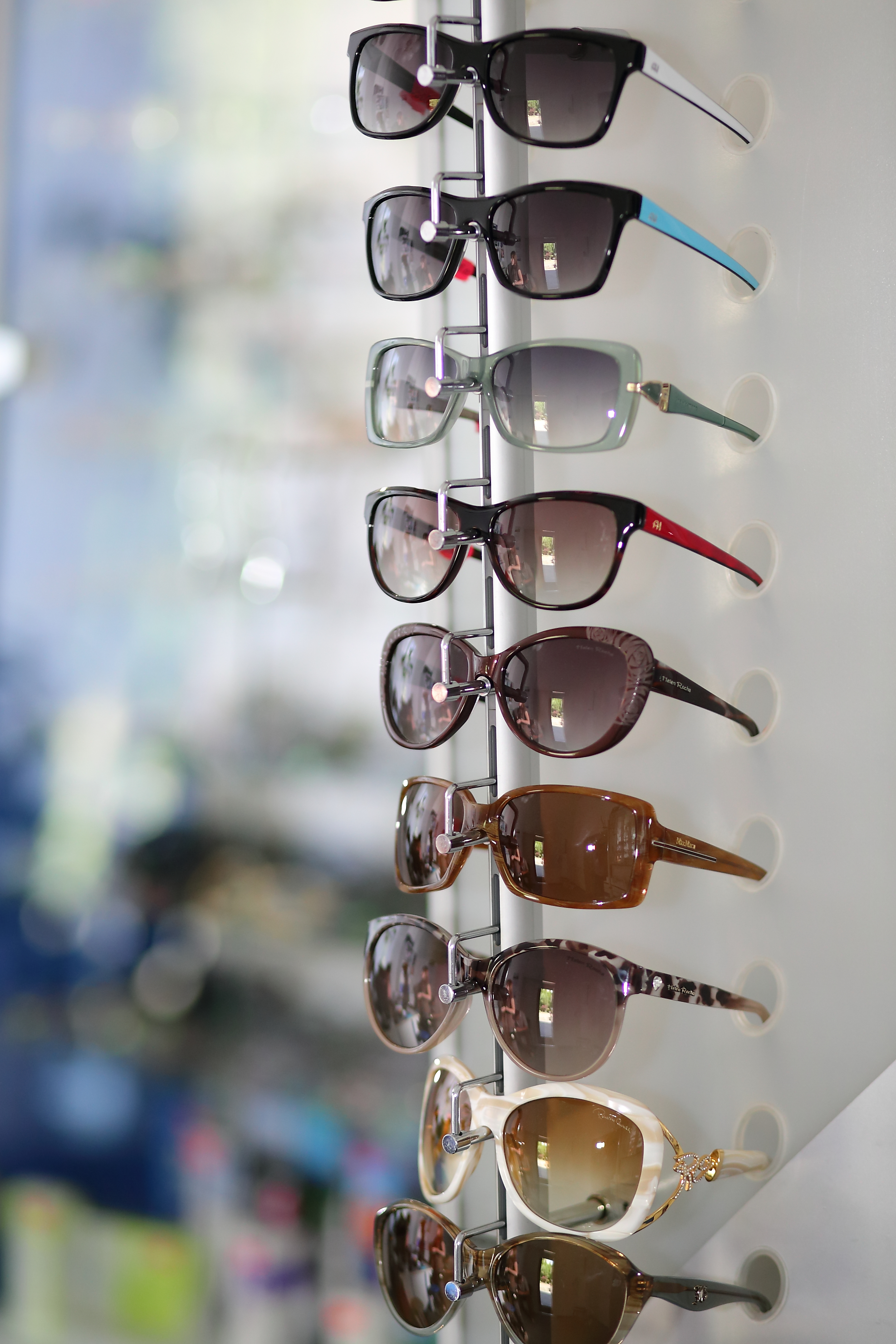 Нова колекція сонцезахисних окулярів - Корпоративні фото ... 5e81c0790cd11