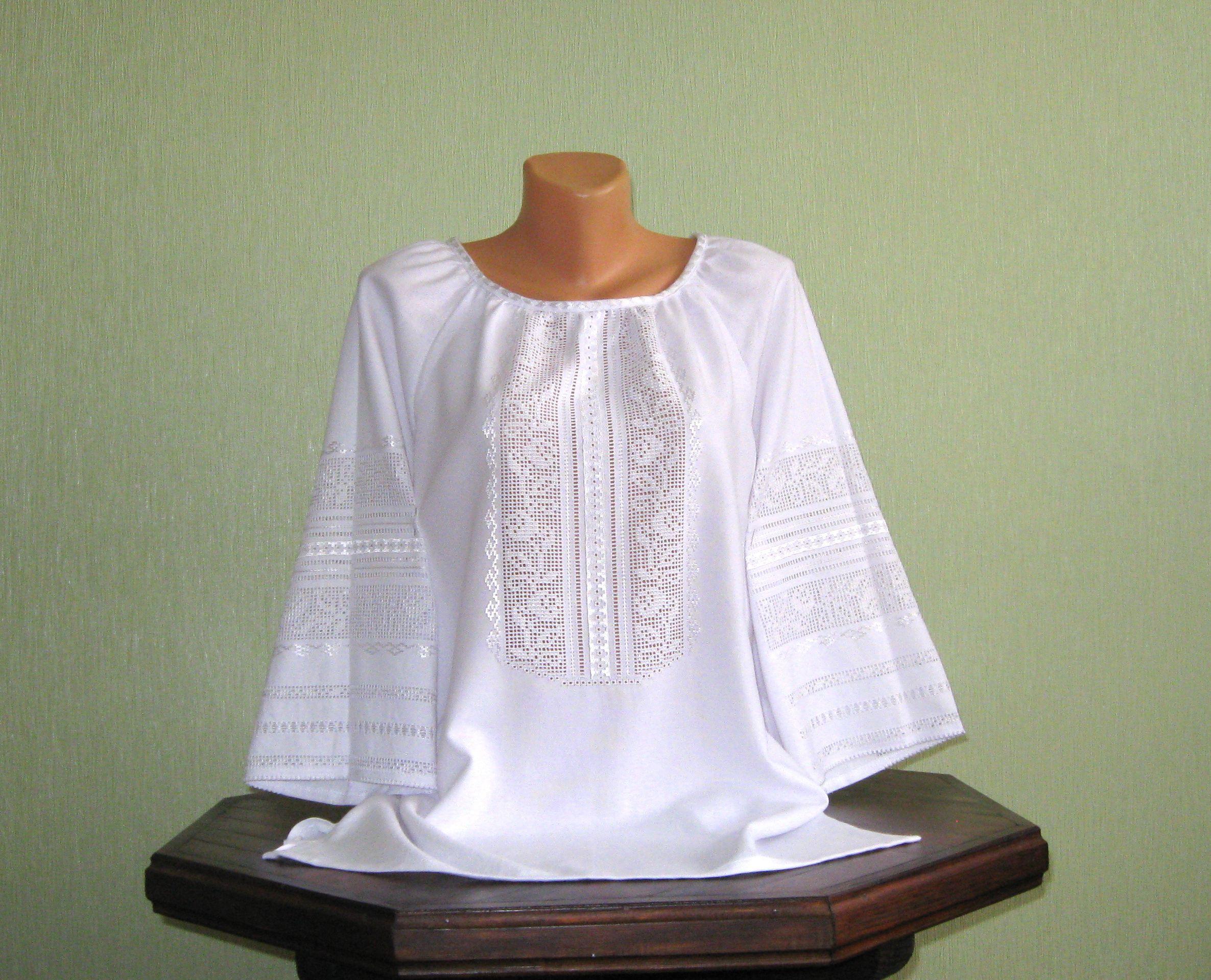 Женская вышиванка белым по белому - Фотогалерея - Вишиванки ручної ... 98c5c6aa47ee8
